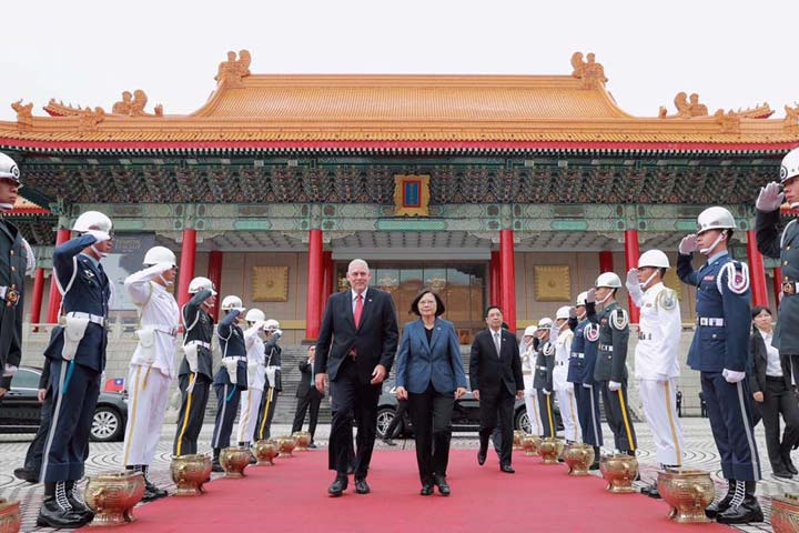 President Tsai and Prime Minister Chastanet during military parade