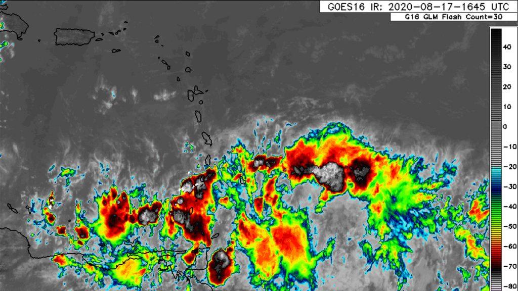 Strong Tropical Wave Approaching the Windward Islands
